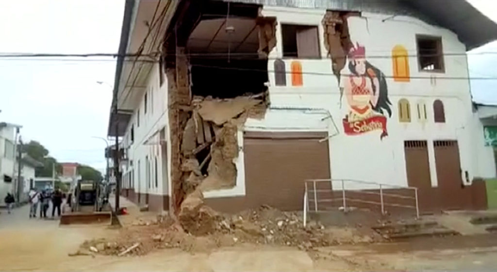 Al menos un muerto y once heridos en Perú por el terremoto