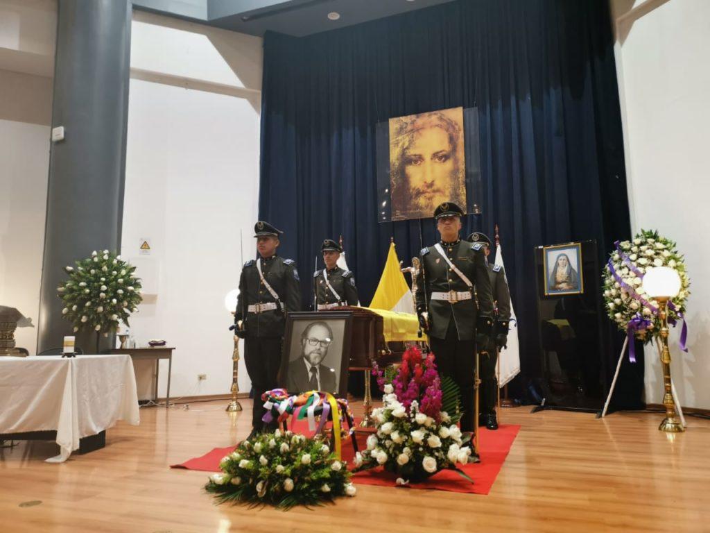 Autoridades, familiares y amigos rinden homenaje al Presidente del Consejo de Participación Transitorio