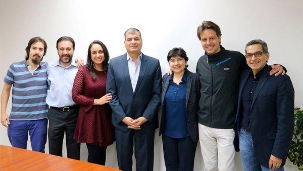 Nicolás Reyes, Pabel Muñoz, Gabriela Rivadeneira, Rafael Correa, Carol Murillo, Guillaume Long y Fernando Alvarado, en la creación del IPPE.