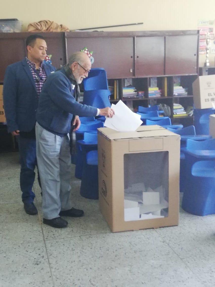 El 24 de marzo acudió a votar.