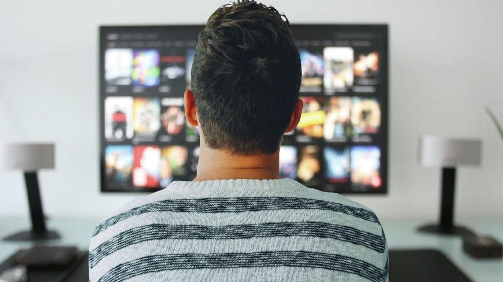 Gobierno suspende nuevo arancel a televisores de gran tamaño