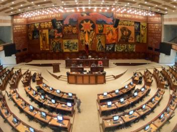La Asamblea tiene el reto de levantar una imagen deslucida por escándalos