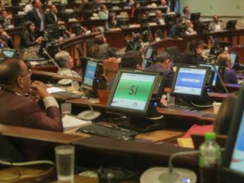 Un Legislativo sin mayorías fijas elige a sus autoridades