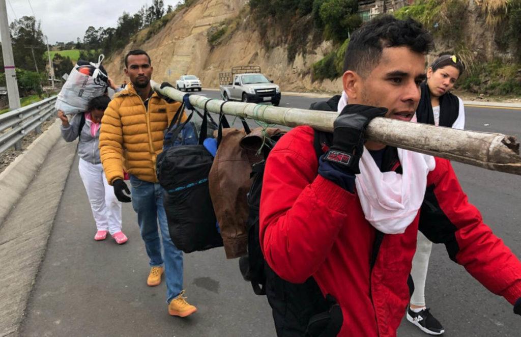 Venezolanos aún enfrentan dificultades para regularizar su estatus migratorio