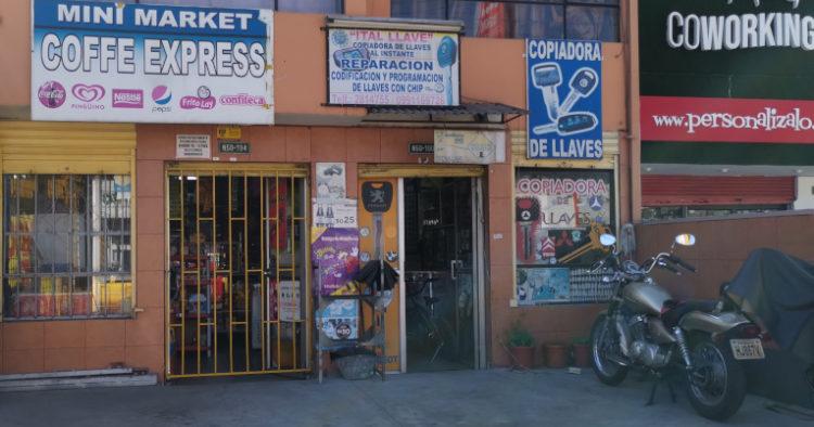 Locales comerciales sobreviven en la avenida Galo Plaza Lasso gracias a la presencia del Parque Bicentenario