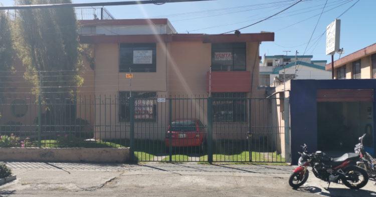 Departamentos vacíos se ven en la  avenida Galo Plaza Lasso