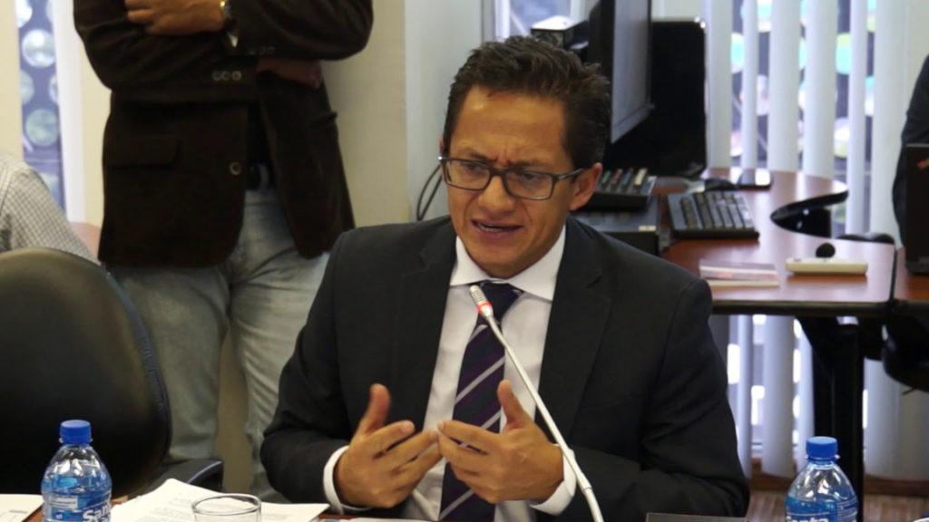 Fiscalización iniciará el juicio político contra Freddy Carrión