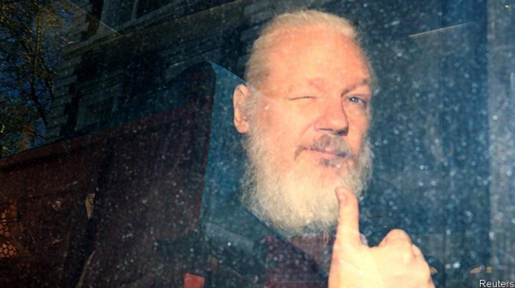 El Reino Unido firma la orden de extradición de Julian Assange a Estados Unidos