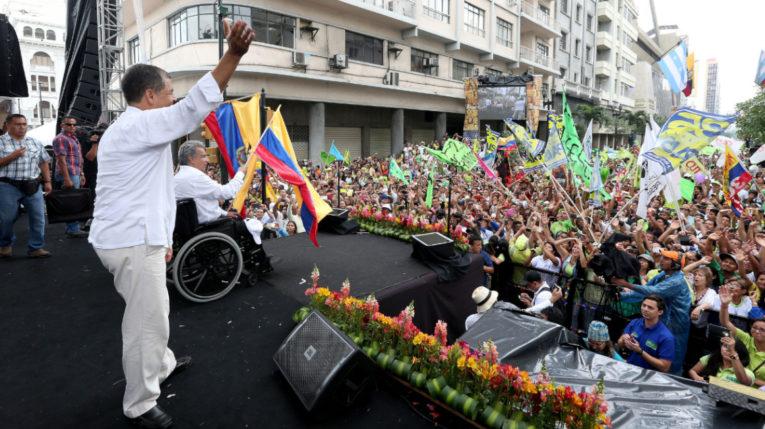 Rafael Correa y Lenín Morneo durante la campaña electoral de 2017.
