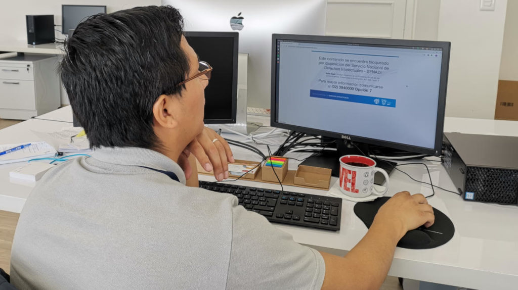 Ecuador bloquea cinco páginas web por vulnerar derechos de autor