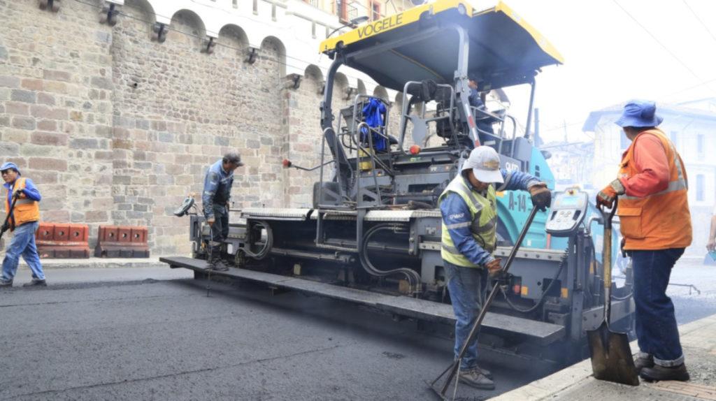 Municipio ha pagado USD 11,8 millones por la repavimentación en Quito