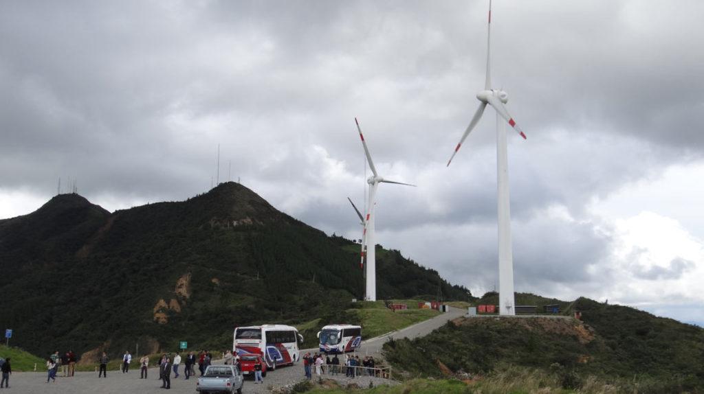 Se busca inversionistas para dos proyectos eólicos en Loja y uno fotovoltaico en El Aromo