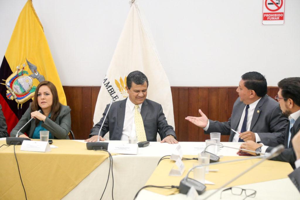 En Fiscalización tambalea el pedido de juicio político a la exministra de Salud Verónica Espinosa