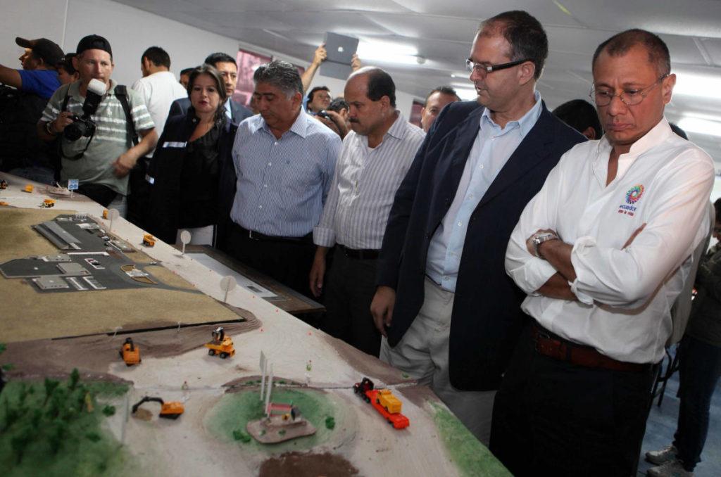 Empresarios ecuatorianos dicen que en el país se paga un 'peaje' de 23,7% para obtener contratos