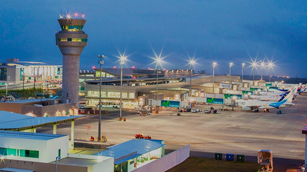 Aerolíneas cancelan la mayoría de vuelos a Quito