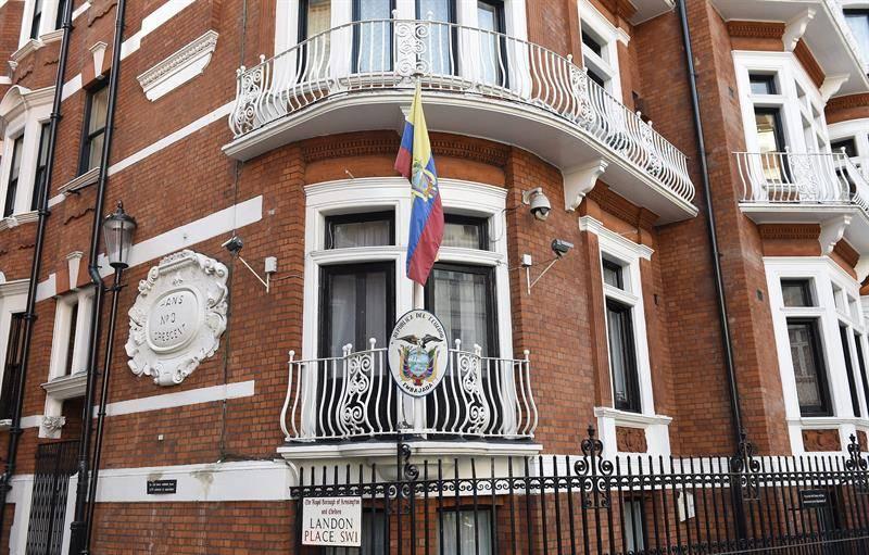 Justicia española investiga a una empresa de ese país por espiar a Julian Assange en Londres
