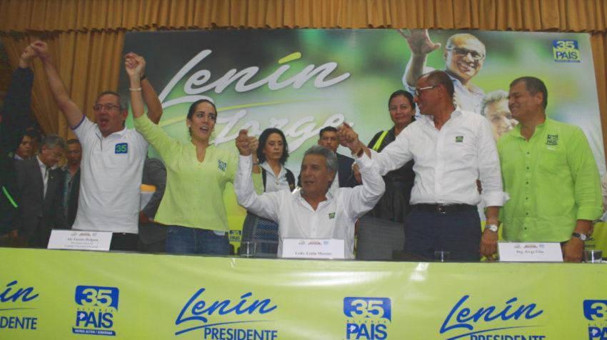 Augusto Espinosa, Viviana Bonilla, Lenín Moreno, Jorge Glas y Rafael Correa, durante la inscripción del binomio Moreno-Glas, el 16 de noviembre del 2016