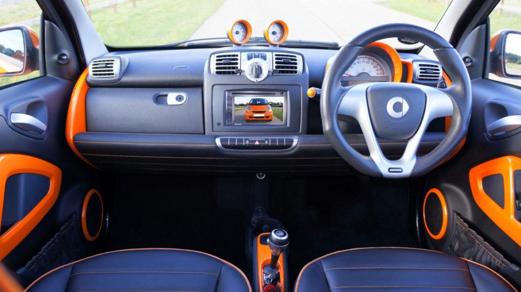 La Unión Europea no decide entre uso de wifi o 5G para los autos conectados a Internet