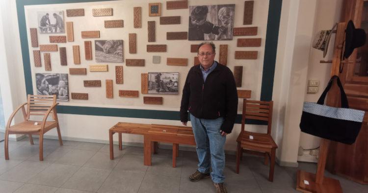 Franco Teruzzi es un italiano de 60 años que llegó a Ecuador en 1989. Tiene dos hijos que nacieron en Italia, pero que se criaron en Ecuador. Desde niño estuvo vinculado a la labor social. Es el encargado de administrar el Centro Artístico Don Bosco.