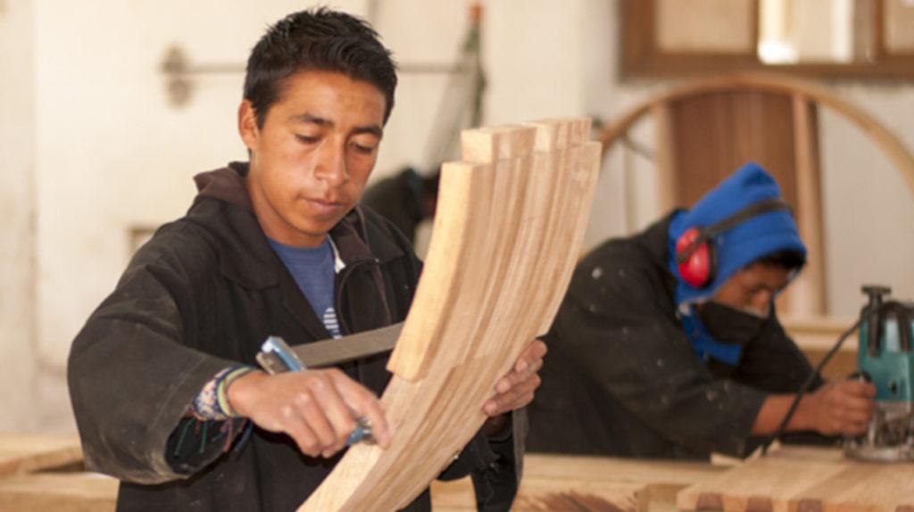 En nueve fotos: jóvenes 'tallan' su futuro en el Centro Artístico Don Bosco