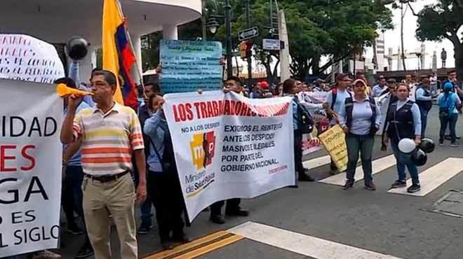 Imagen de archivo de la protesta de trabajadores de la salud, realizada en Guayaquil en marzo pasado.