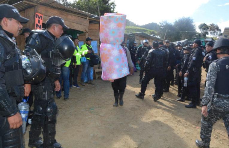 Operativo de la Policía Nacional en La Merced de Buenos Aires, el 2 de julio de 2019.