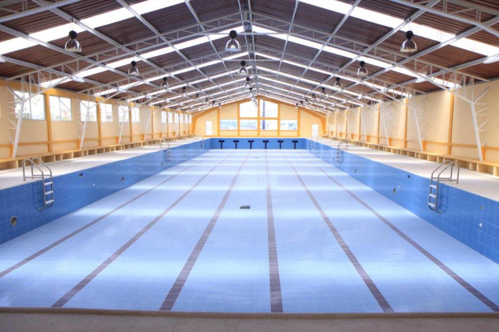 """Dos de los nadadores intoxicados en la piscina de Miraflores tienen """"quemadas sus vías respiratorias"""""""