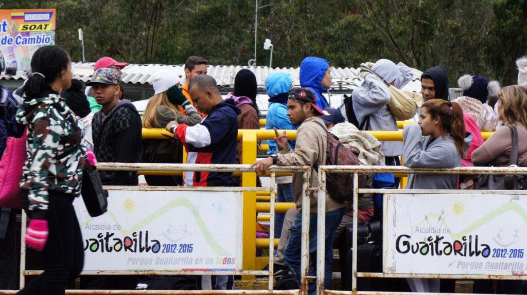 Se dispara flujo de venezolanos hacia Ecuador, Ipiales está en emergencia