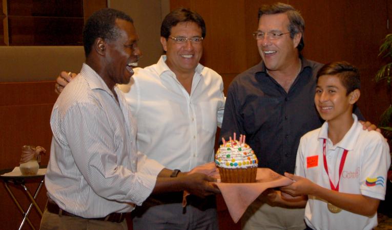 En 2016, Morales fue concejal de Guayaquil por Alianza PAIS. En la imagen está en una celebración de la Prefectura junto a Jairala.