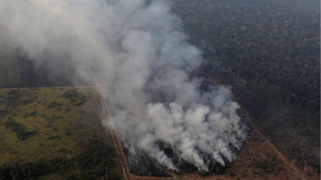 La Amazonía sigue en llamas y Bolsonaro reitera que la culpa es de las ONG