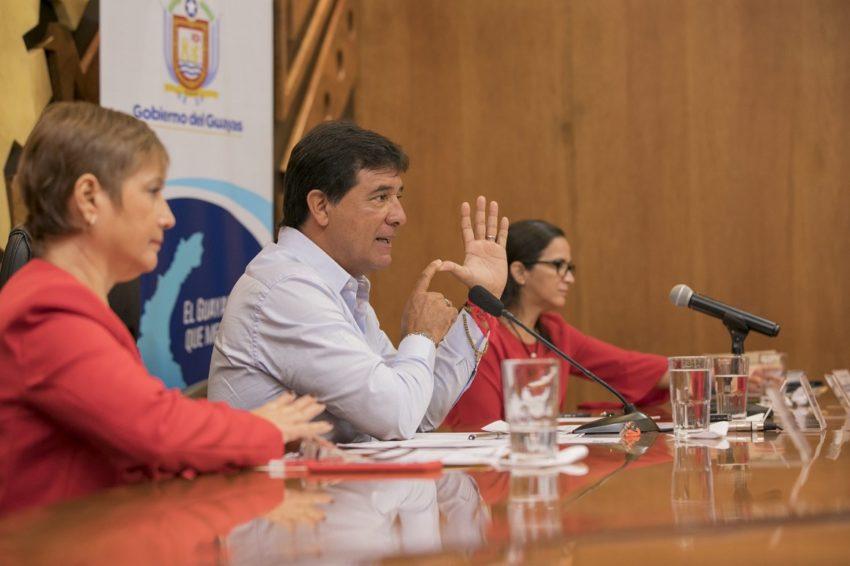 El Prefecto del Guayas Carlos Luis Morales aseguró que el contrato para el dragado del río Guayas fue una burla para la provincia.