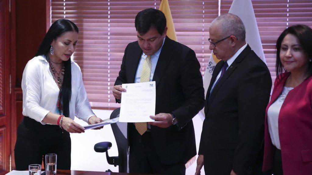 Una reforma legal busca que el 50% de candidatos para alcaldías y prefecturas sean mujeres