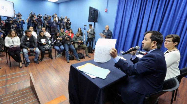 Foto Archivo. El secretario Anticorrupción, Iván Granda y la superintendente de Economía Popular, Margarita Hernández, en rueda de prensa el 14 de agosto.