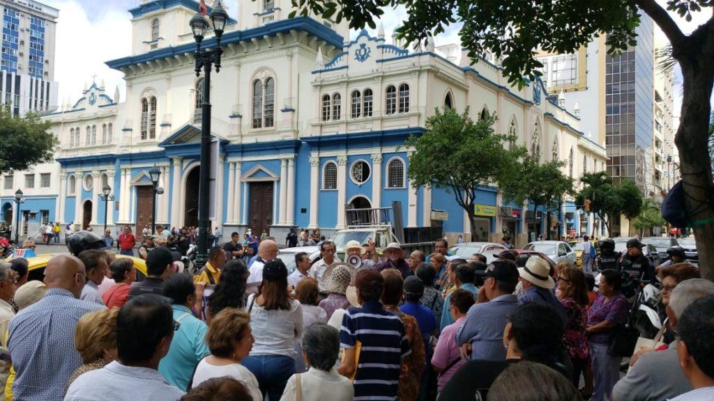 Primer bono de jubilados se vendió en la Bolsa de Guayaquil con descuento de 5,88%
