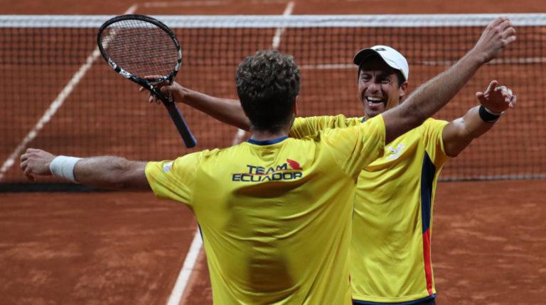 Roberto Quiroz y Gonzalo Escobar celebran su victoria.