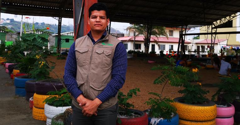 Ronald Borges dirige el albergue Un Techo para el Camino. Cuenta que ayudan a los migrantes a regularizar su situación, con la ayuda de organizaciones como Acnur y HIAS.