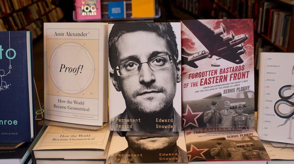 """Snowden: """"Si no actuamos ahora para reclamar nuestros datos, nuestros hijos quizá no puedan hacerlo"""""""