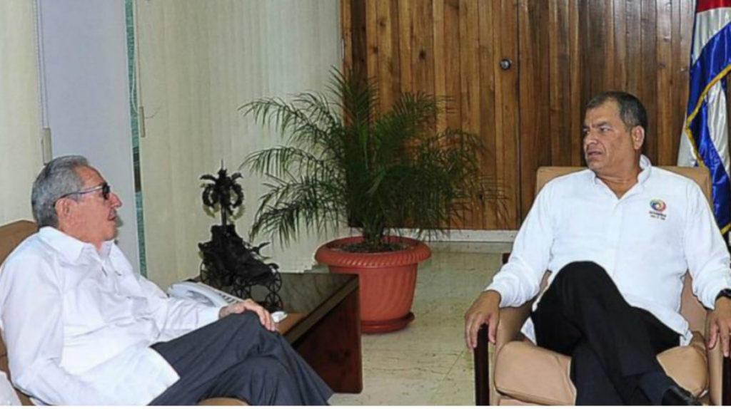 Rafael Correa se reúne con Raúl Castro en La Habana