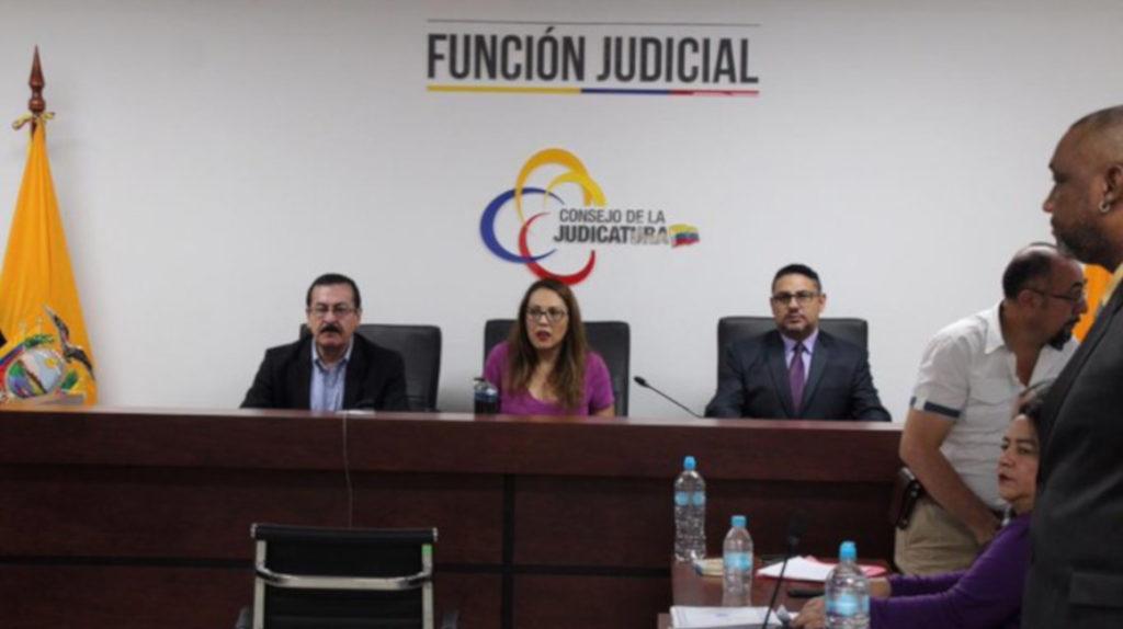 Otra sentencia contra exministro de Hidrocarburos, Carlos Pareja Yannuzzelli