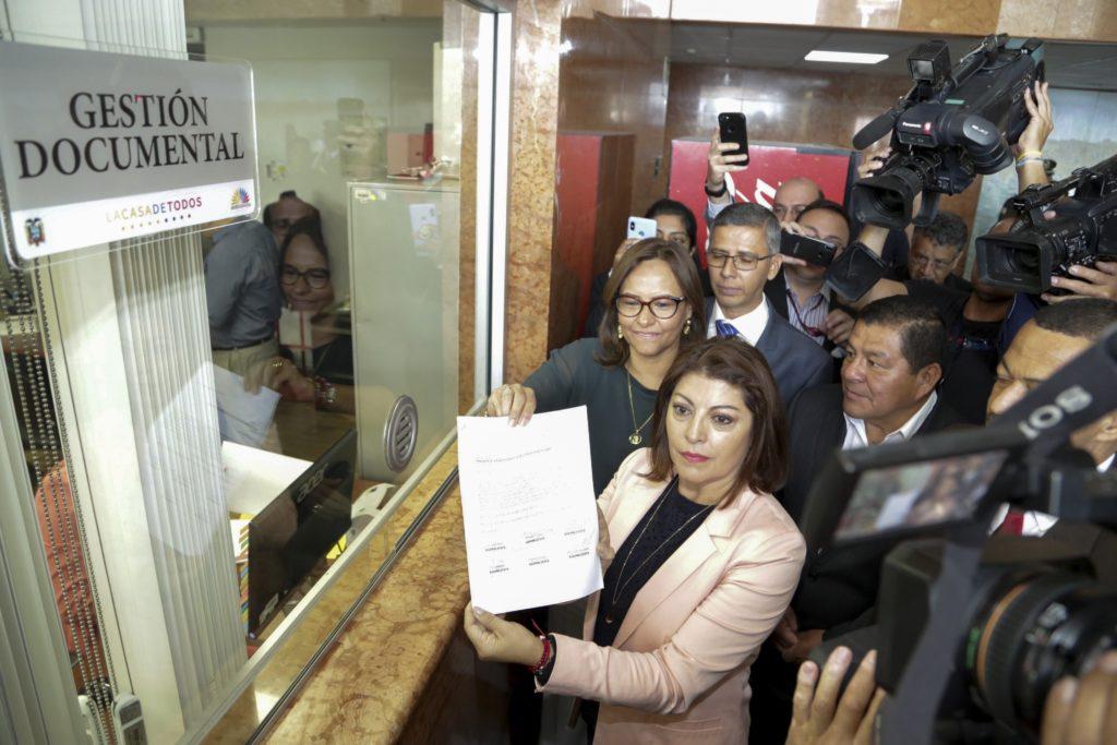 Enmienda a la Constitución pondrá a prueba mayoría oficialista en la Asamblea