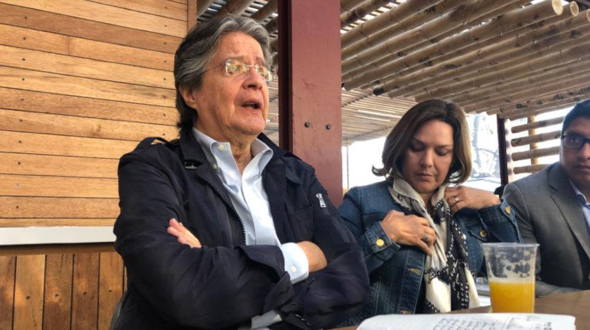 El político Guillermo Lasso en un conservatorio con medios 2019.