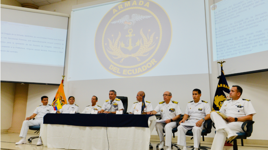 Armada desmiente supuesto sobreprecio en contrato del dragado del río Guayas