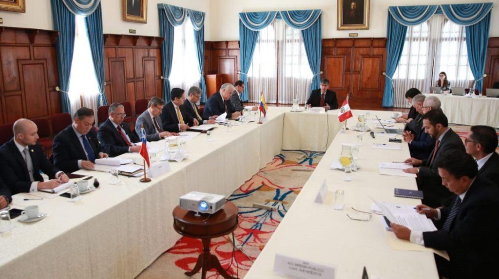 Ecuador, Perú y Chile intercambiarán información sobre visas de venezolanos
