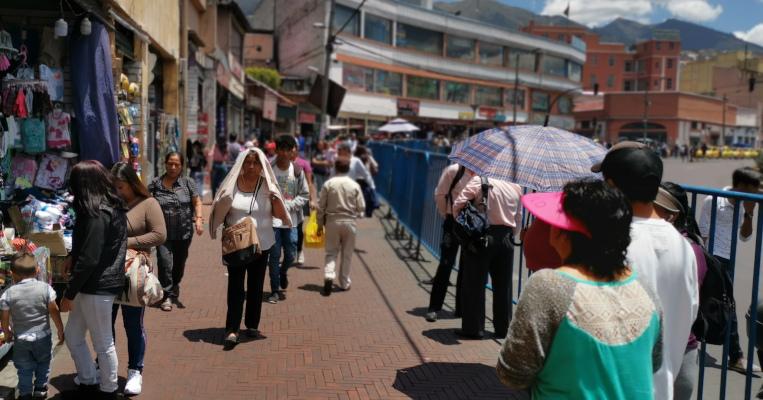 El sector de La Marín amaneció con vallas para impedir las ventas informales.