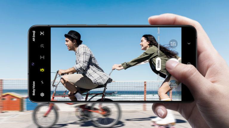 El Galaxy A90 de Samsung usa una cámara con sensor de 48 megapixeles.