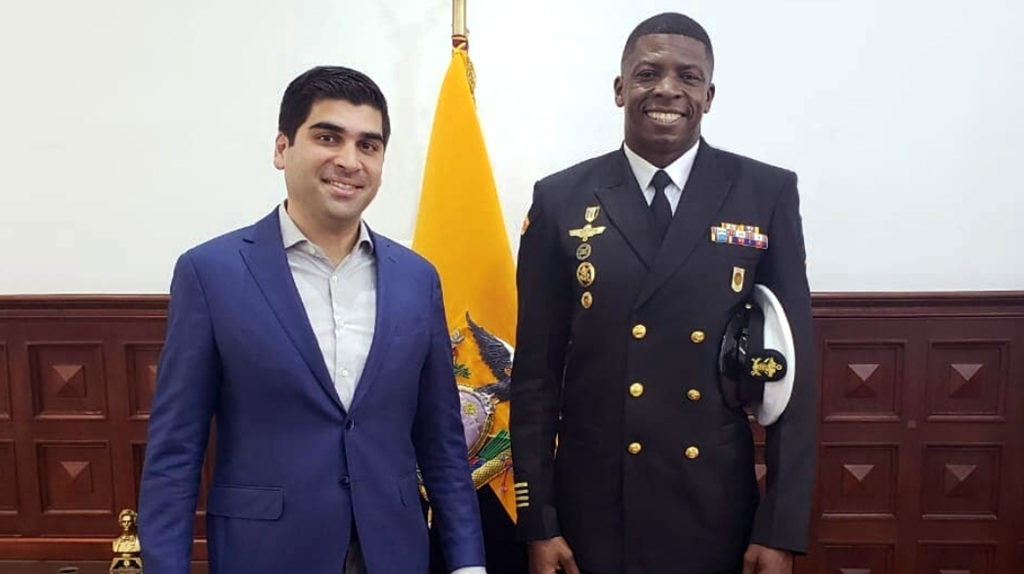 Gudman Chalá cuida al Vicepresidente y es atleta mundialista
