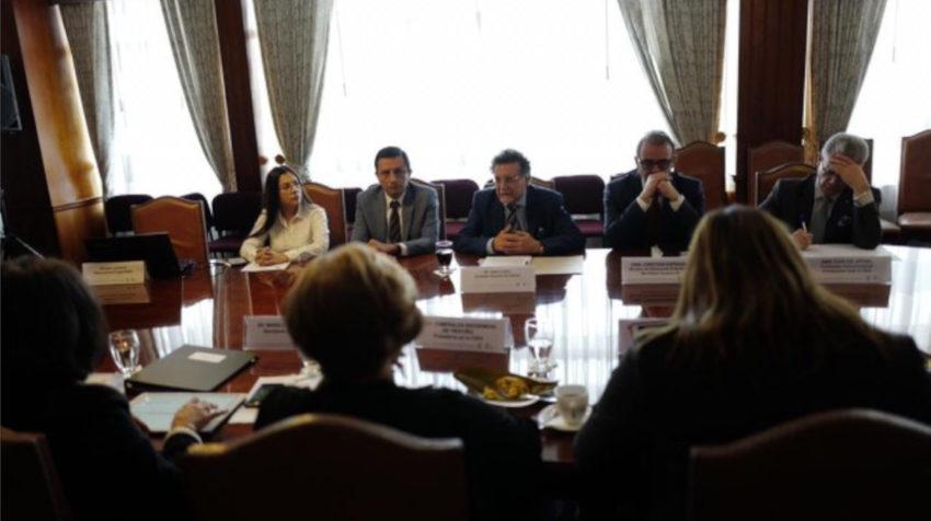 La CIDH en reunión con el contralor Pablo Celi, el 28 de octubre de 2019.