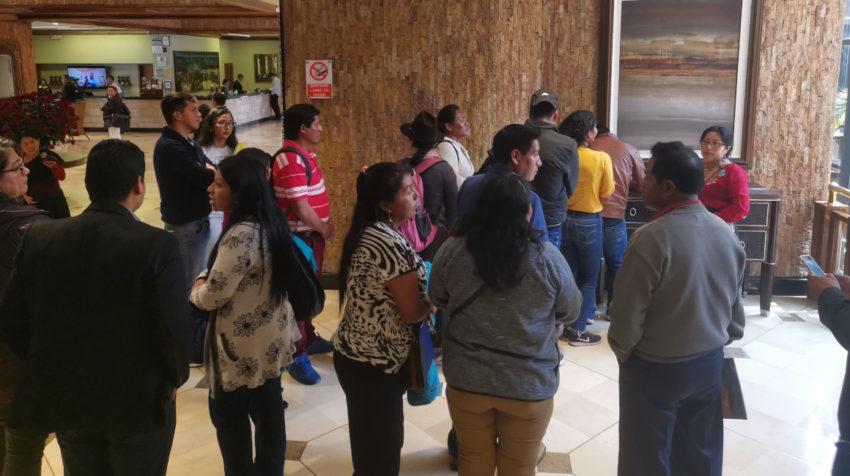 Miembros de la Conaie llegan para reunirse con la CIDH en Quito, el 28 de octubre de 2018.