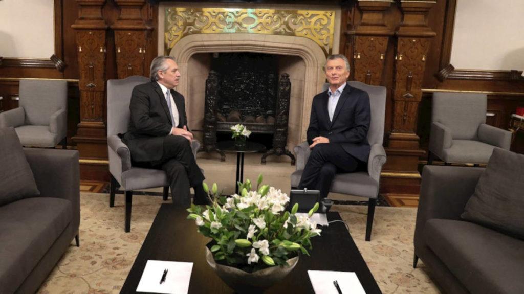 Argentina: Macri y Fernández se reúnen para abordar transición tras triunfo de peronista