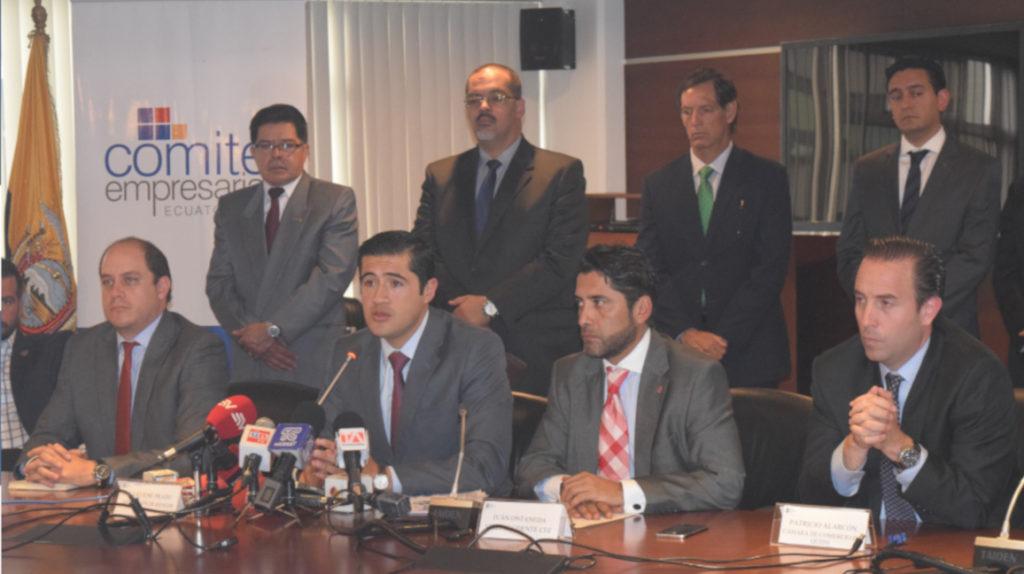"""Empresarios cuestionan """"la transformación"""" del ministro Richard Martínez"""